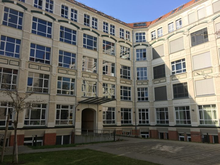 The façade of the old Gursch typefoundry factory building, in the interior courtyard of Gneisenaustraße 27, photographed in 2018.